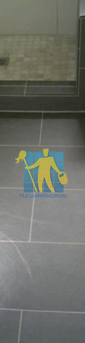 traditional bathroom floor with master bathroom with porcelain grey floor rectangular with white grout lines Gold Coast/Numinbah Valley