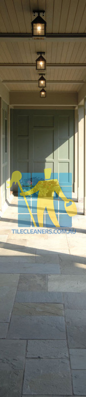 Gold Coast/Benowa bluestone tiles entrace light color light grout lines